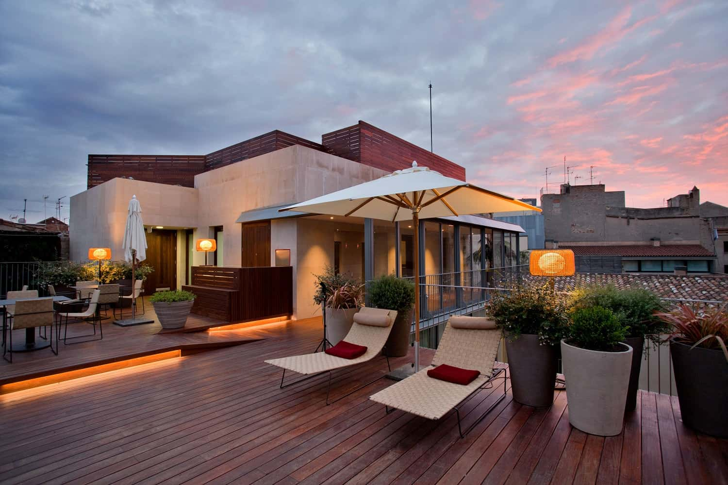 Top 22 roof terraces in barcelona barcelona navigator for Hotels on the terrace