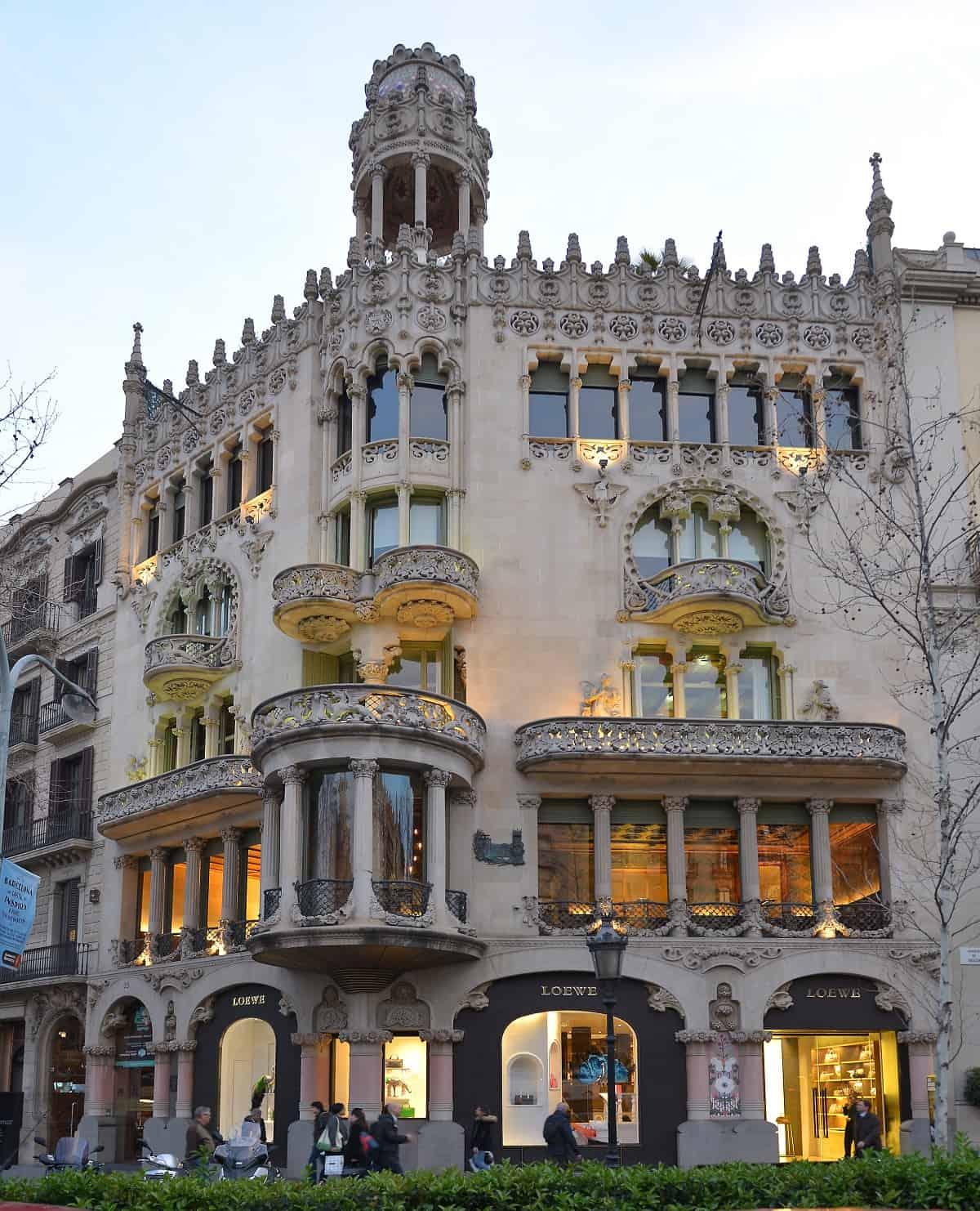 Long Term Apartment Barcelona: Casa Lleó I Morera