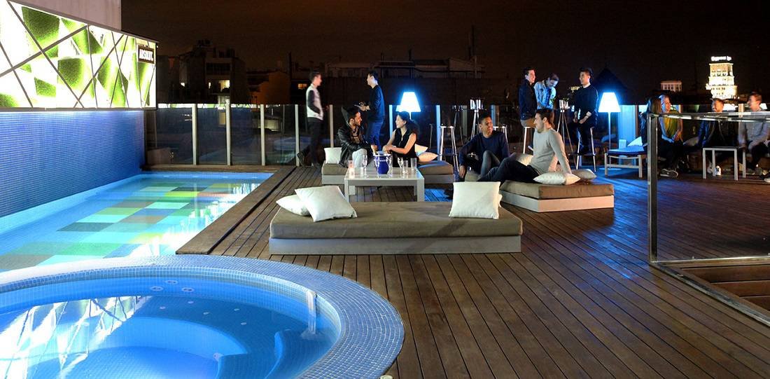 Axel hotel barcelona for Swimming pool show barcelona