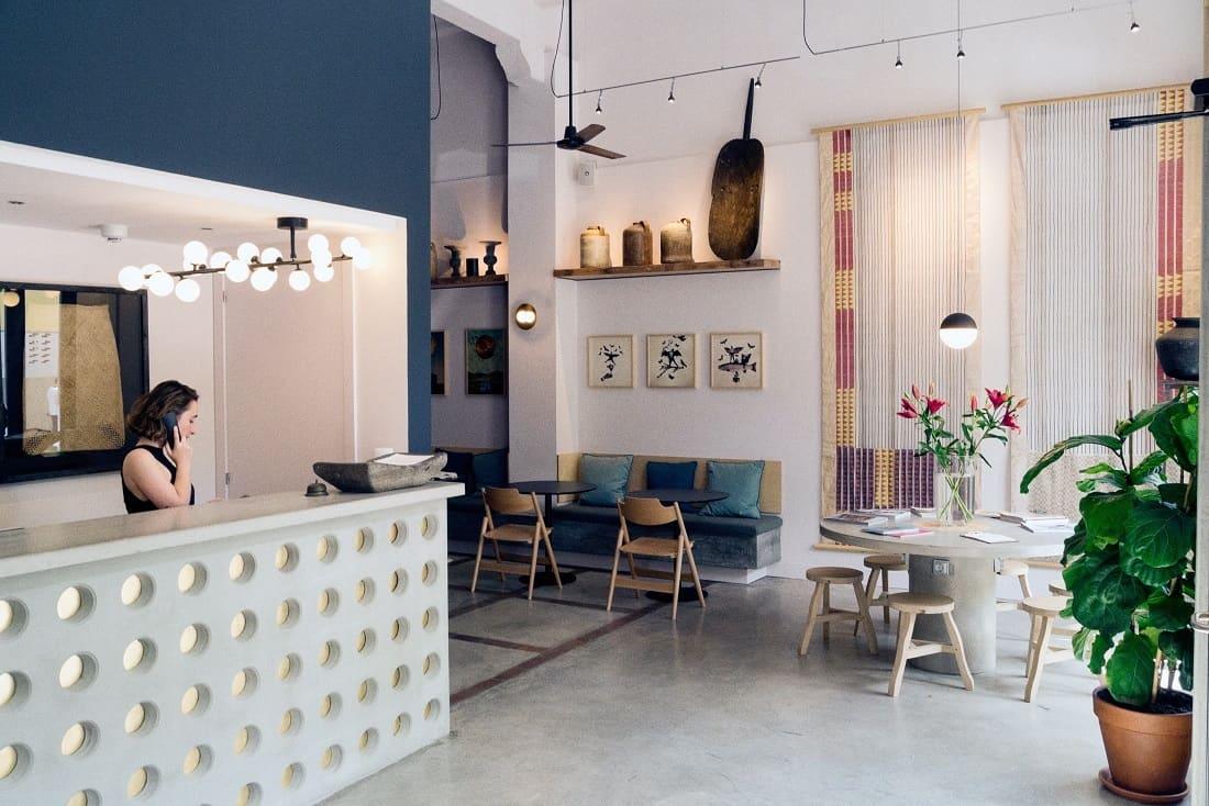 Hotel brummell barcelona for Tonos de pintura para interiores