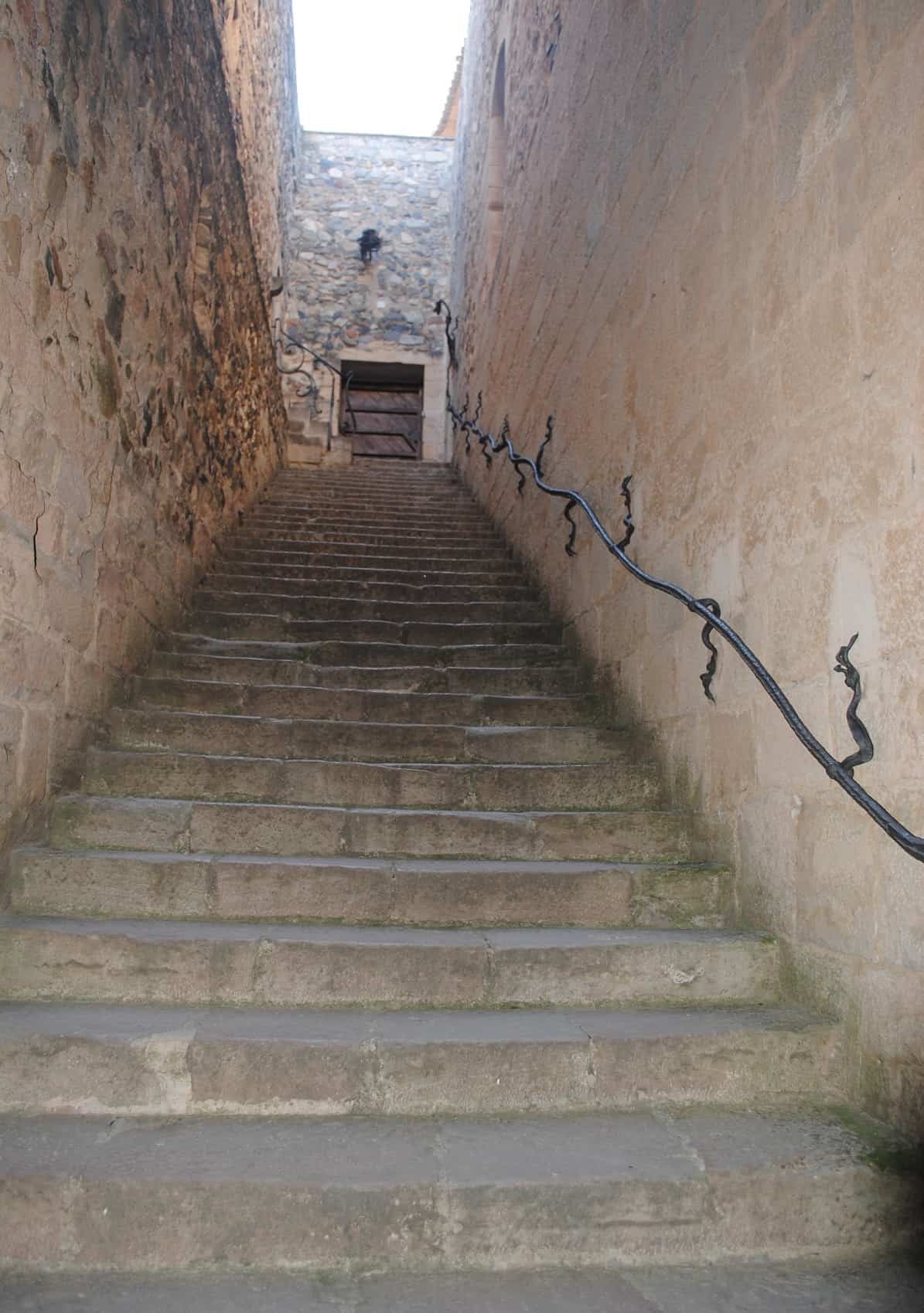 Poblet Staircase Dragon Bannister