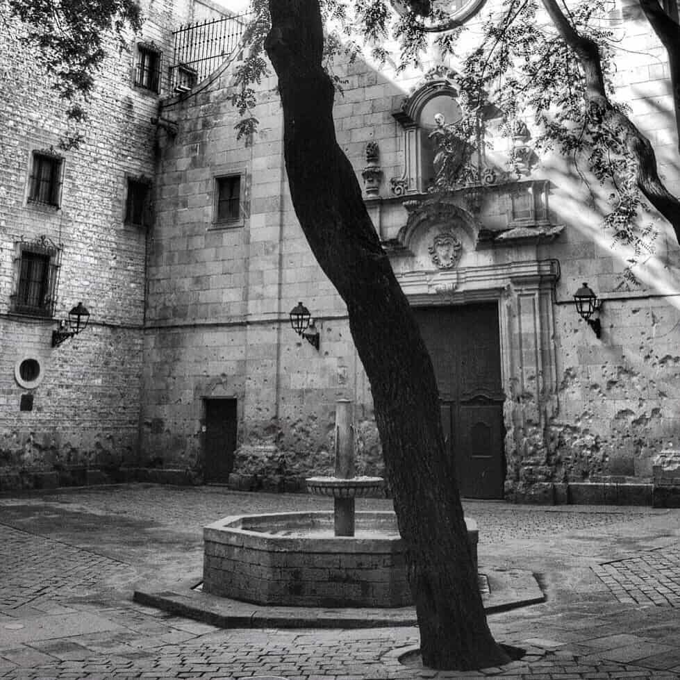 Plaça de Sant Felip Neri