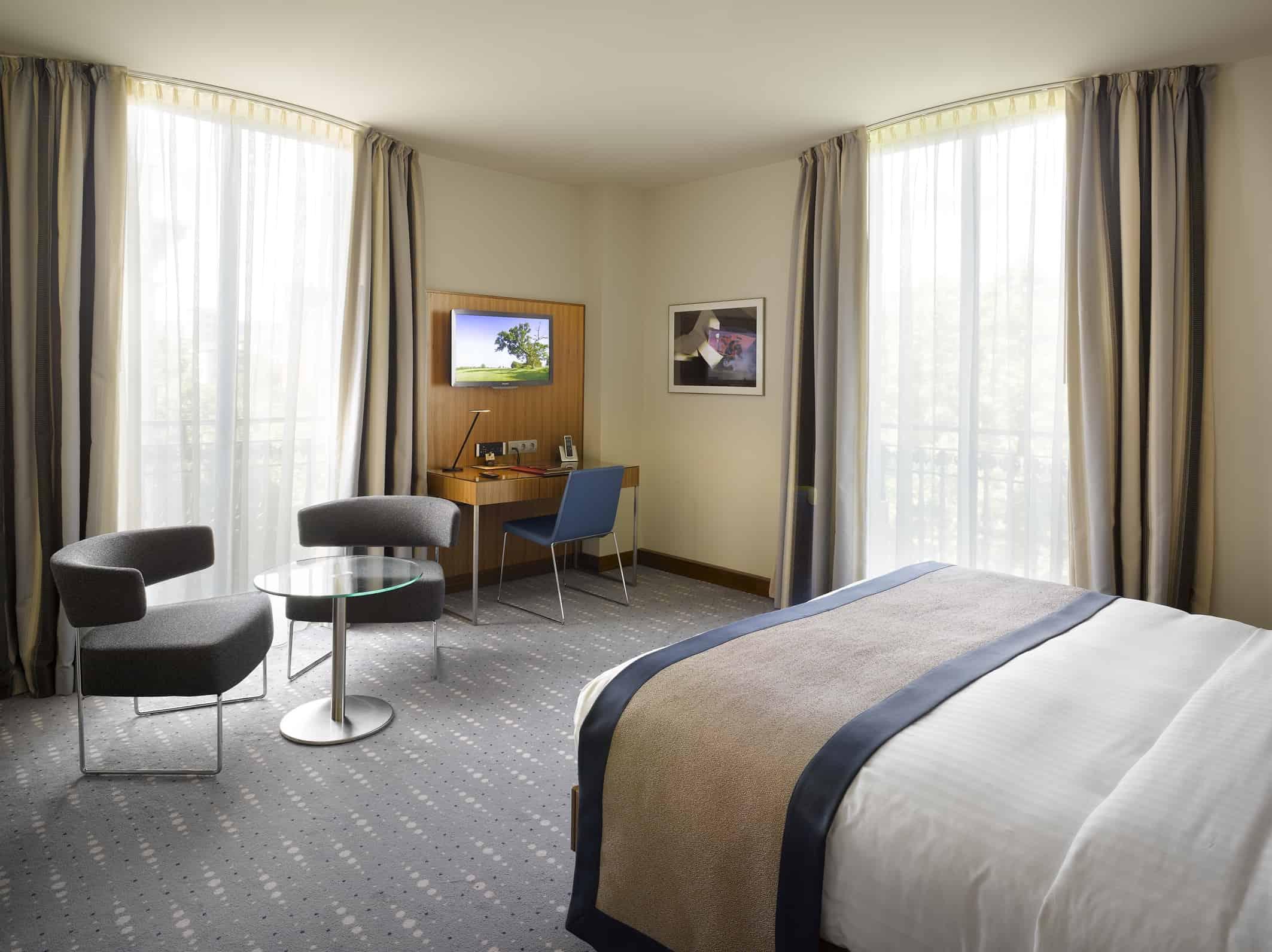 K+K Hotel Picasso Guestroom (executive)