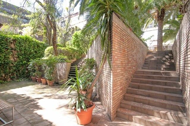 Oxford House Barcelona Garden