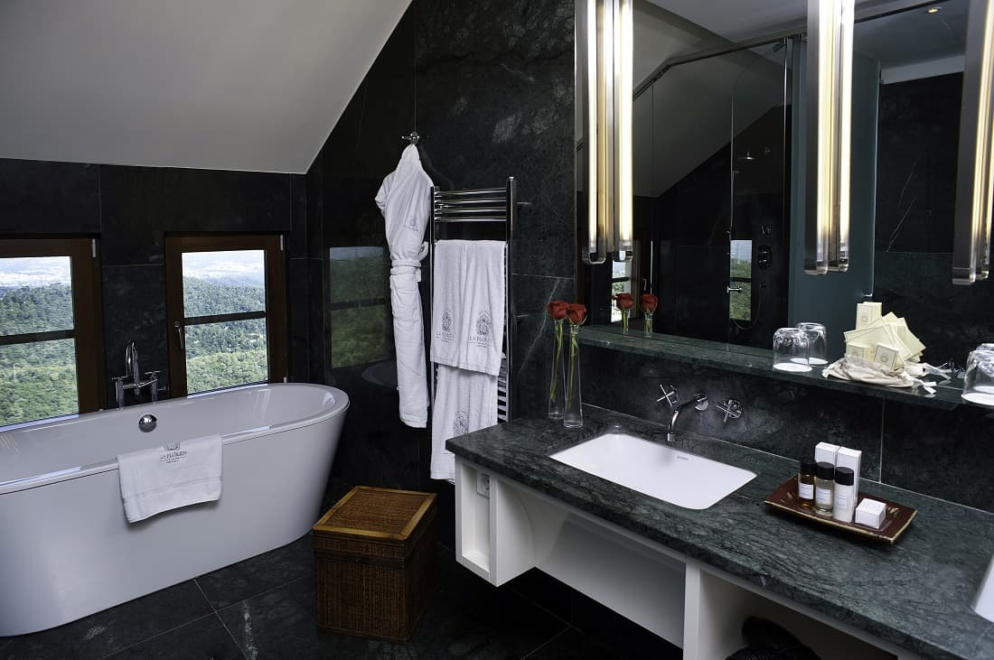 Gran Hotel La Florida Design suite Cocomat bathroom