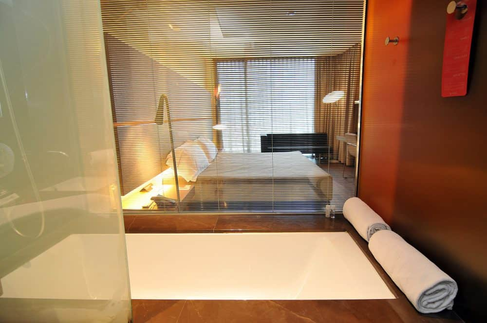 B-Hotel Bathroom