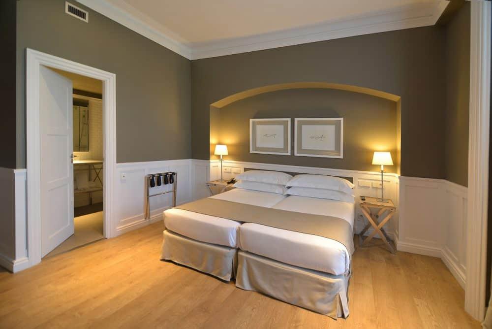 Hotel Granvía Bedroom