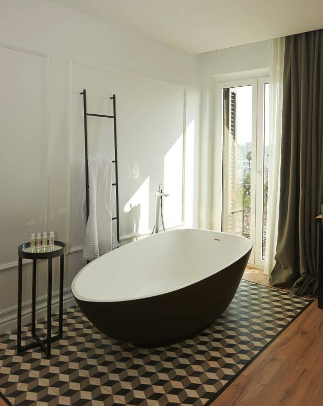 The Serras Hotel Bathroom