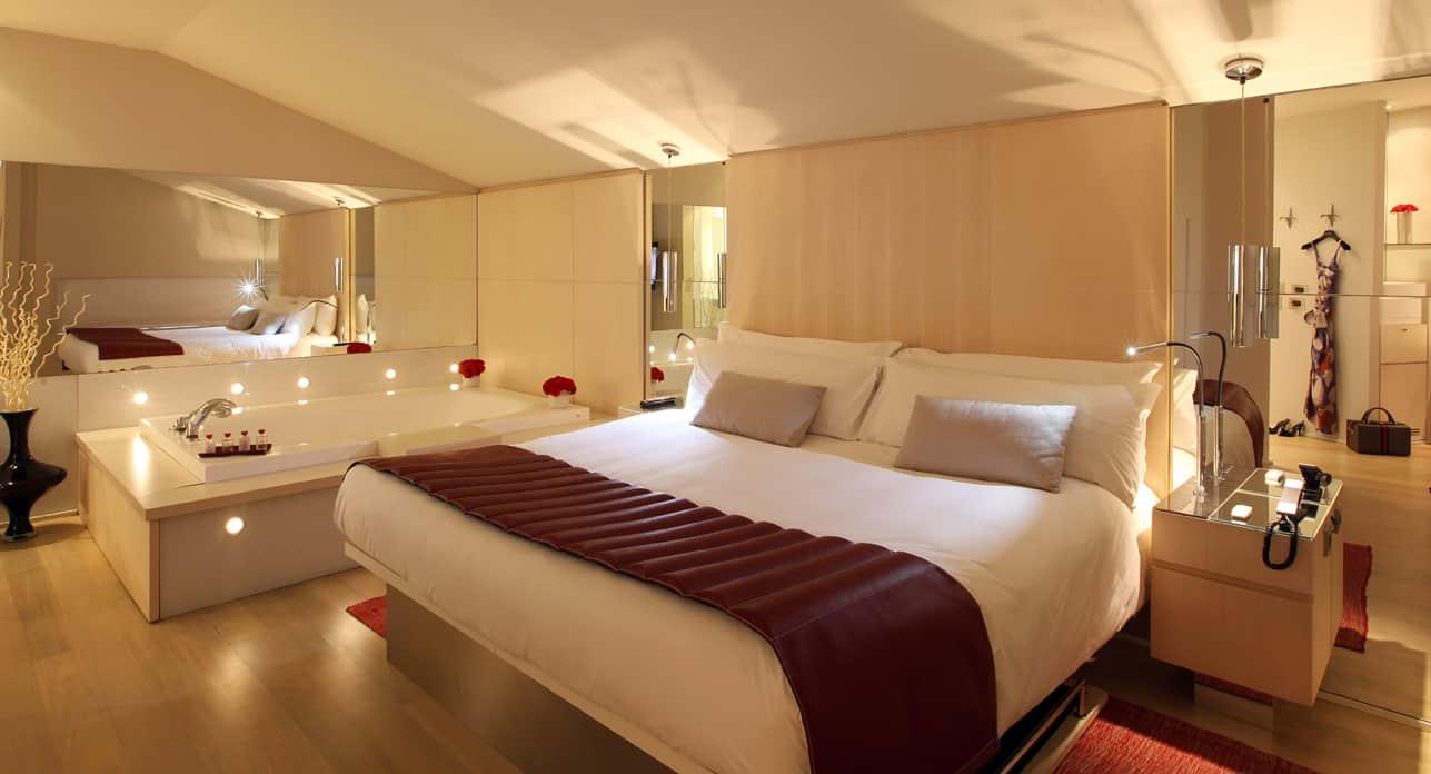 Hotel Cram Suite