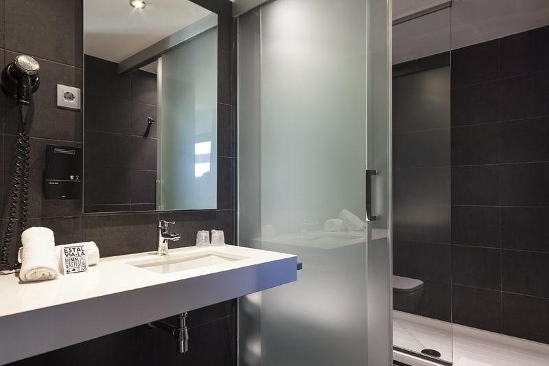 Andante Hotel Bathroom