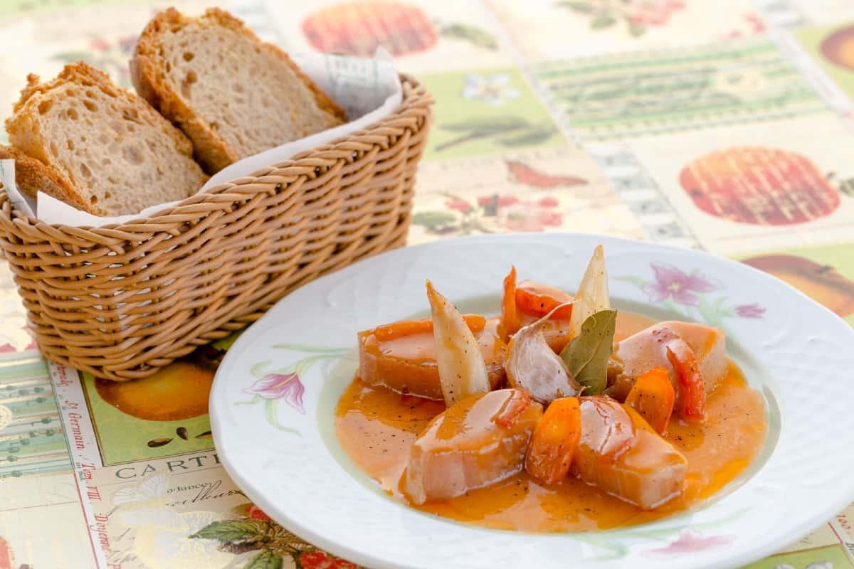 Bonito en salsa catalana