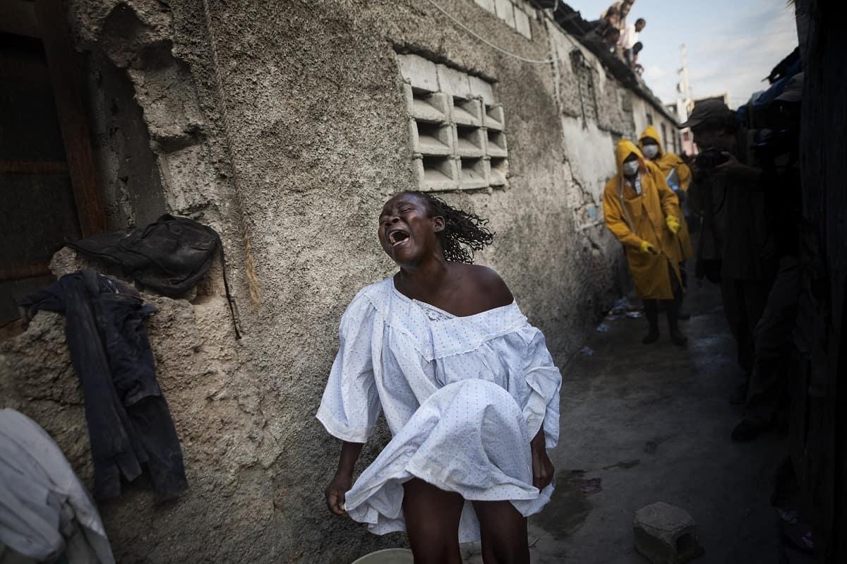 Andrés Martínez-Casares: Mother of Cholera victim. Haiti, 2010.